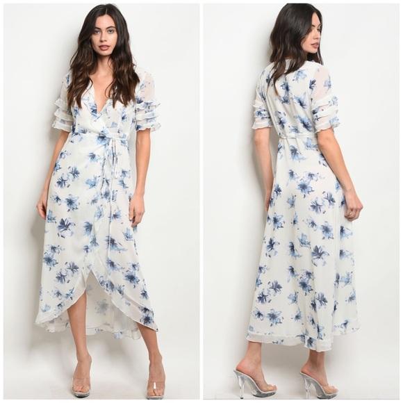 4e38092c9647 Dresses | Last 2 Sara White Blue Floral Dress | Poshmark